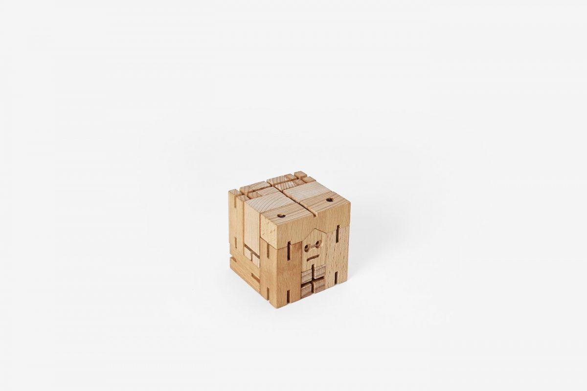 Areaware-Cubebot-julien-micro-SolutionKey