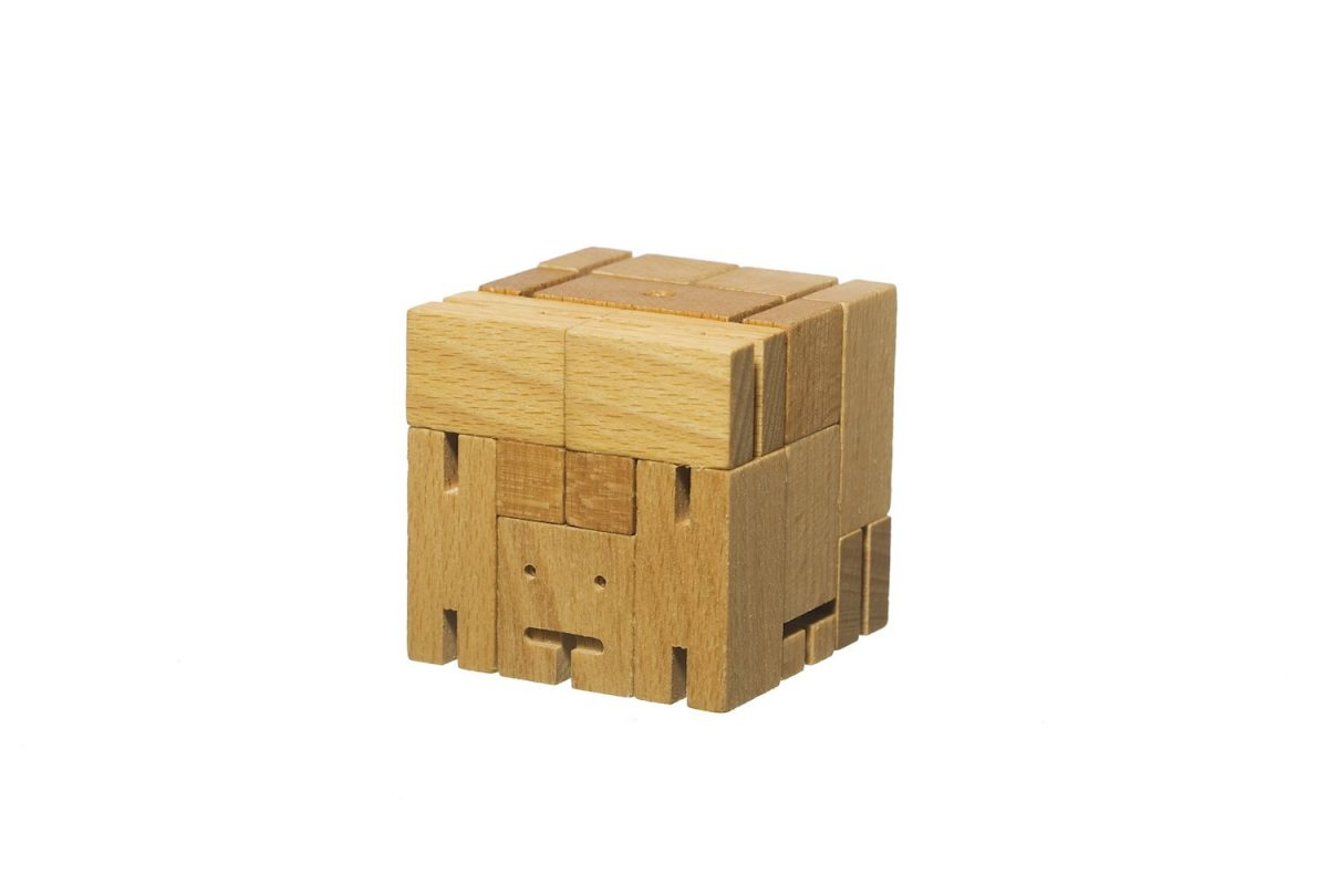Areaware-Cubebot-natural-cube-solutionkey