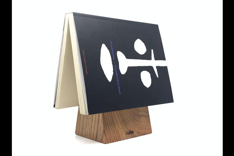 Vud progetto cuño segnalibro con libro