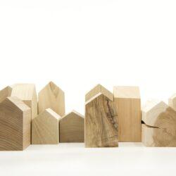Vud listen wooden houses